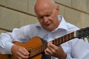 Александр Ермаков - обучение игре на гитаре