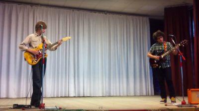 Ученики на сцене